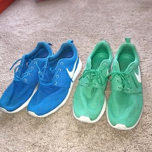 2 Pairs of Nike Roshe Run's
